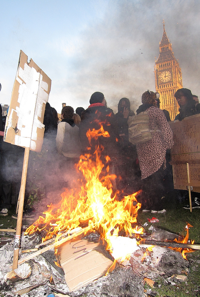 Protest_london_fire